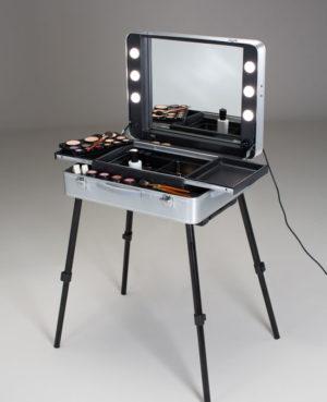 beleuchtete Trolley Workstation Evo für Haare und MakeUp von Cantoni